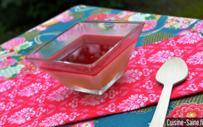 Recette bio : panna cotta à l'eau de coco et coulis framboise