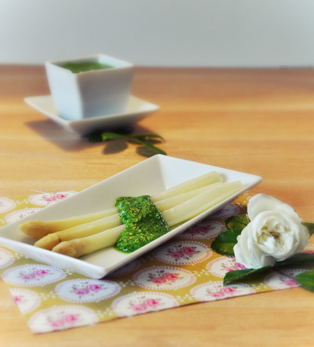 Recette bio : asperges en sauce verte