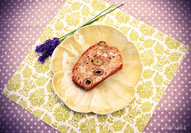 Recette bio : cake aux olives et aux lardons