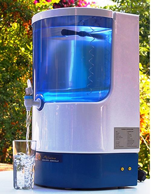 La fontaine Mélusine filtre l'eau de votre réseau domestique par osmose inverse et la dynamise selon le procédé Marcel Violet