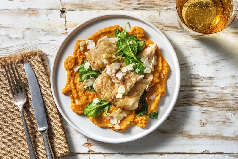 Box à cuisiner HelloFresh : Lieu à la meunière & tombée d'épinards avec une purée de carottes et de lentilles au paprika