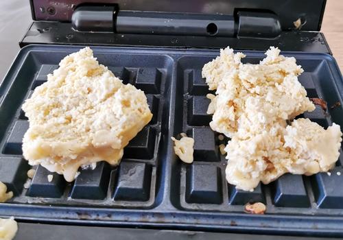 pâte à gaufre sans gluten dans le gaufrier