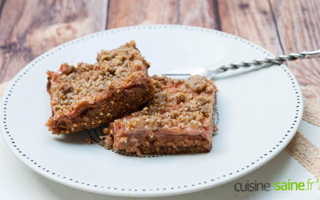 Recette de carrés rhubarbe et fraise sans sucre blanc, sans gluten ni lactose